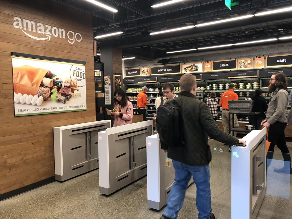 Amazon And Bitcoin Provide Americans With Opportunity To Go Cashless And Cashierless (#GotBitcoin?)