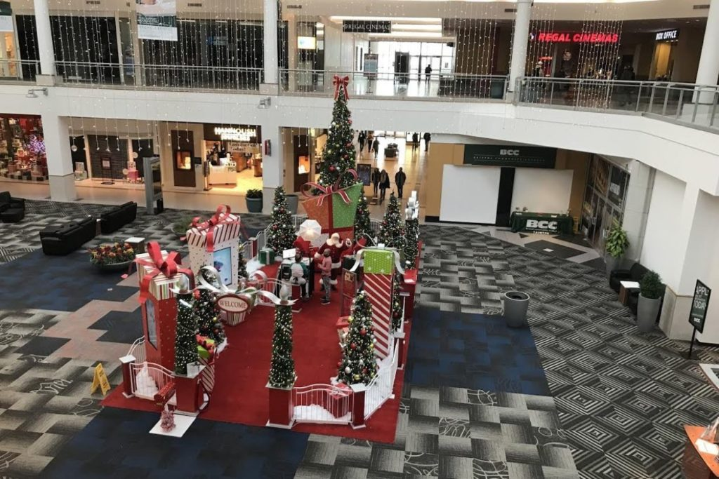 Sad Santas Confront Empty Malls: 'Do I Have Something In My Beard?' (#GotBitcoin?)